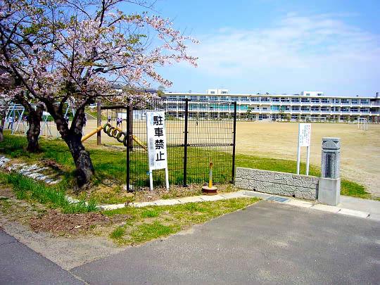 学校の入口.jpg